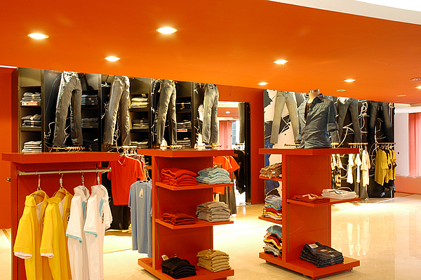 Showroom Interior Design and Decoration